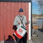 Team Wikström fick pris för dagens största fisk! En öring på 6700 gr!